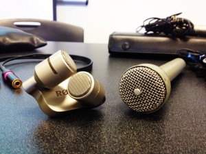 Rode iXY (left) Electro-Voice 635a (Right)