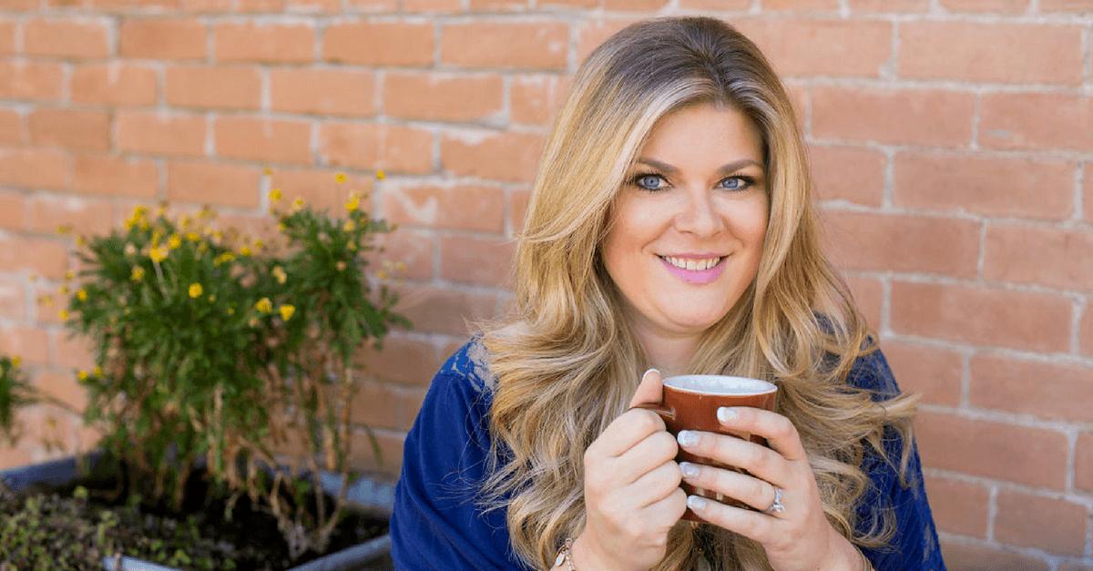 329 How to Use a Blog to Grow an Offline Business – Bella Vasta